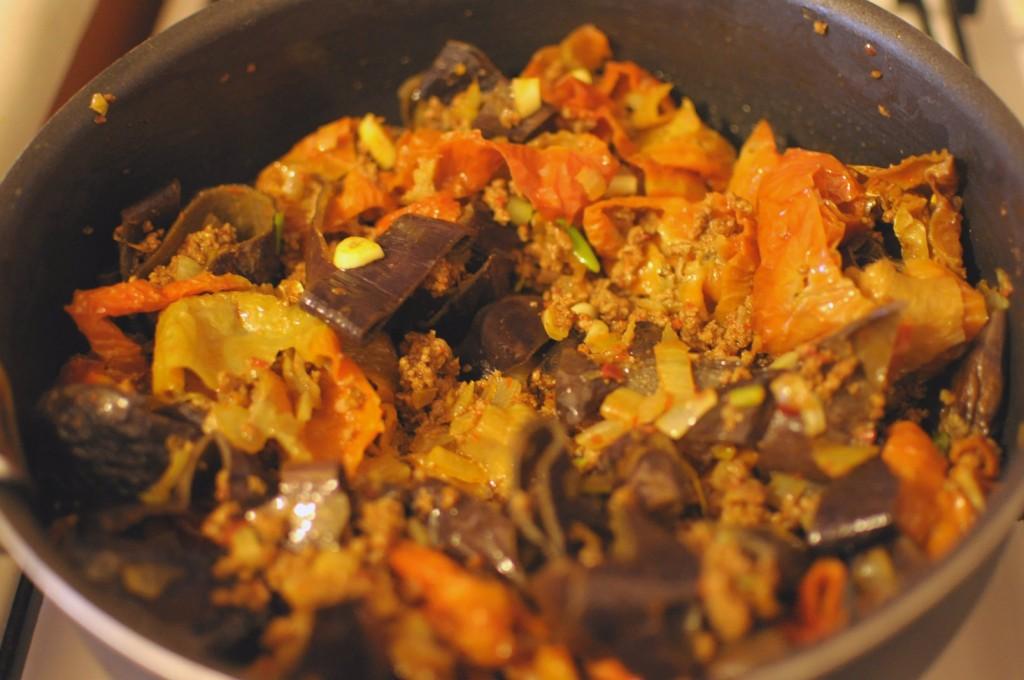 Kuru patlıcan biber borani