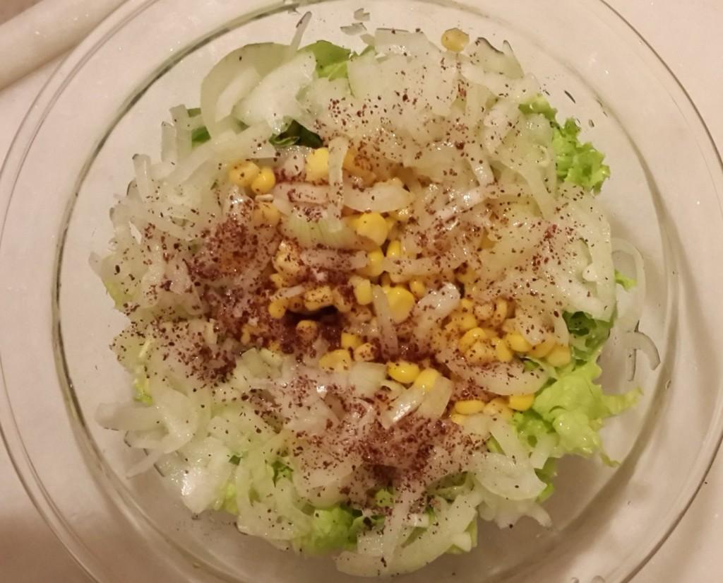 soğanlı mısırlı salata