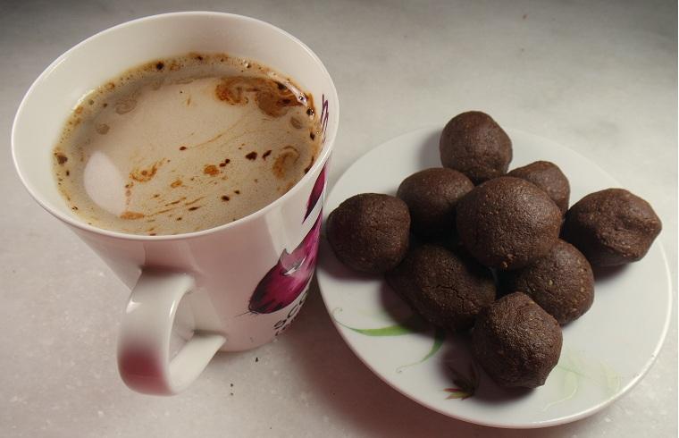 balayı kurabiyesi ve kahve